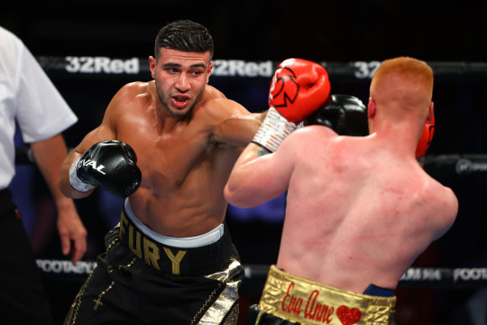 Tommy Fury and Jordan Grant at boxing match