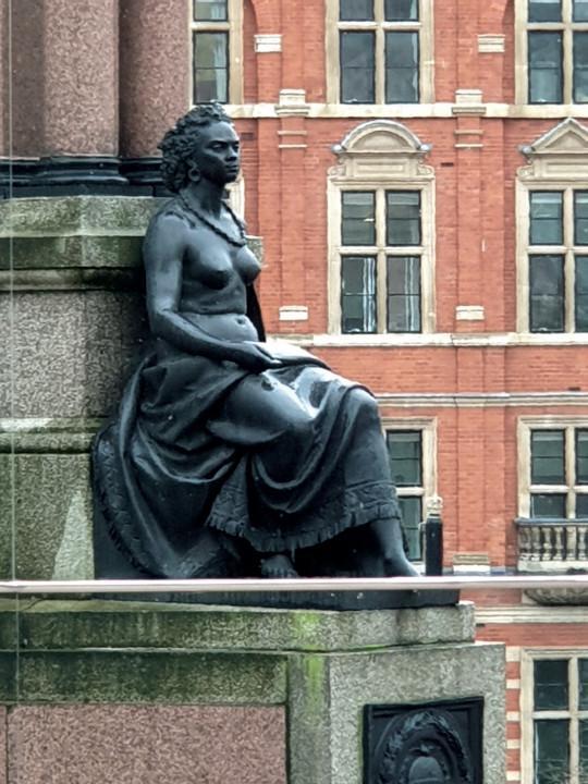 Kensington Statue