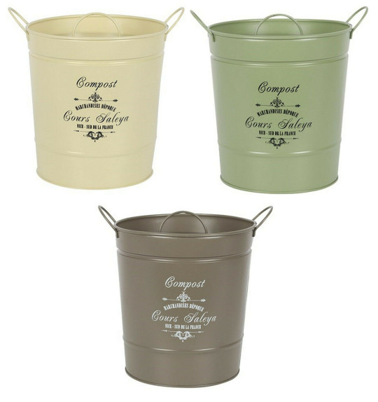Sick of the ugly plastic food waste bin sitting on your windowsill? This vintage metal composting bucket will add style to your kitchen countertop. Comes in grey, cream and mint and is ideal for eggshells, teabags and leftovers. Vintage Large Composting Bucket, ?12