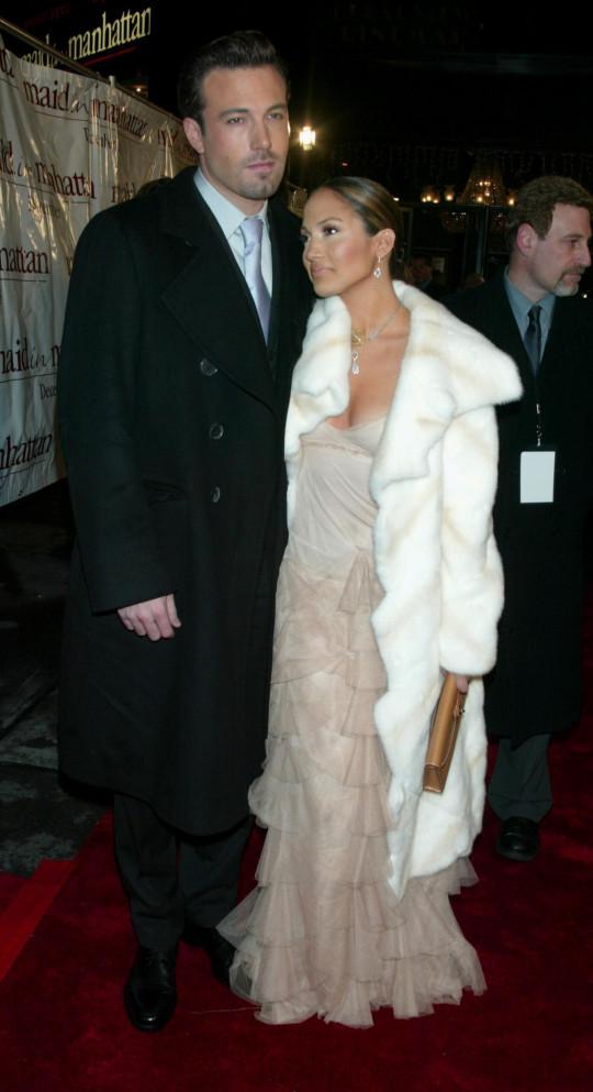 Ben Affleck & Jennifer Lopez during Maid in Manhattan Premiere - Arrivals at The Ziegfeld Theatre in New York City, New York, United States. (Photo by Jim Spellman/WireImage)