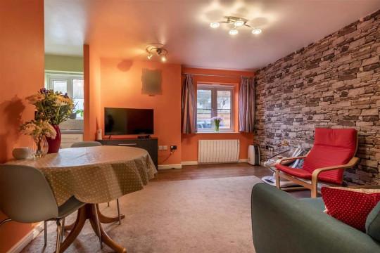One-bedroom flat, Purfleet, Essex, £175,000 - interiors