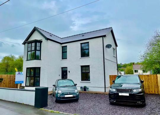 Three-bedroom detached house, Swansea, Wales, £260,000 - exterior