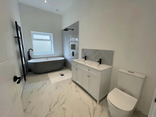 Four-bedroom bungalow, Swansea, Wales, £279,000 - bathroom