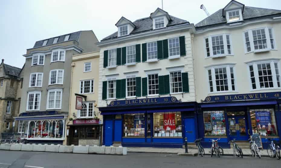 Blackwells Bookshop Oxford exterior