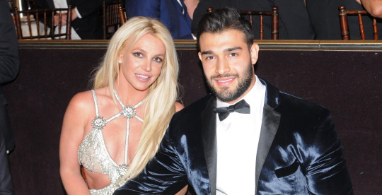 BEVERLY HILLS, CA - APRIL 12: Honoree Britney Spears (L) and Sam Asghari attend the 29th Annual GLAAD Media Awards at The Beverly Hilton Hotel on April 12, 2018 in Beverly Hills, California. (Photo by Vivien Killilea/Getty Images for GLAAD)