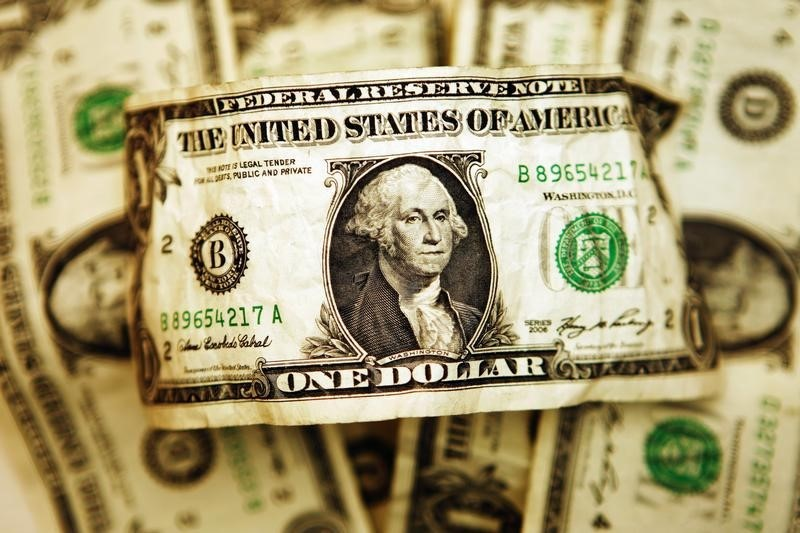 Dollar Extends Gains; Set For Large Weekly Gain
