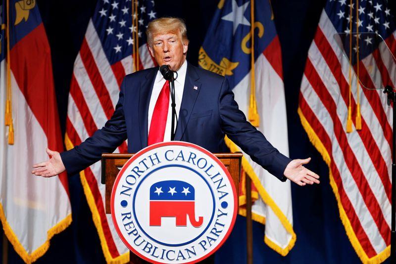 In rare public outing, Trump denounces Fauci, China; dangles 2024 prospects