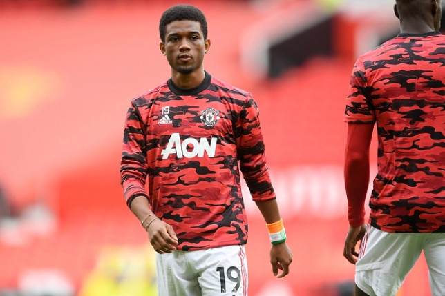 Amad Diallo looks on ahead of Manchester United's FA Cup clash with Leicester