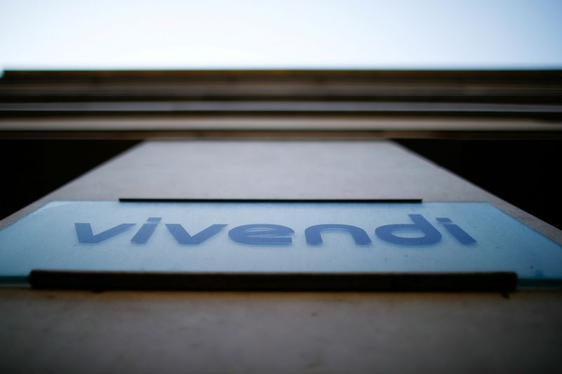 Pershing Square signs deal to buy 10% of Vivendi's Universal  - statement