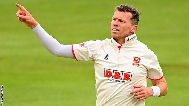 Peter Siddle celebrates taking a wicket for Essex