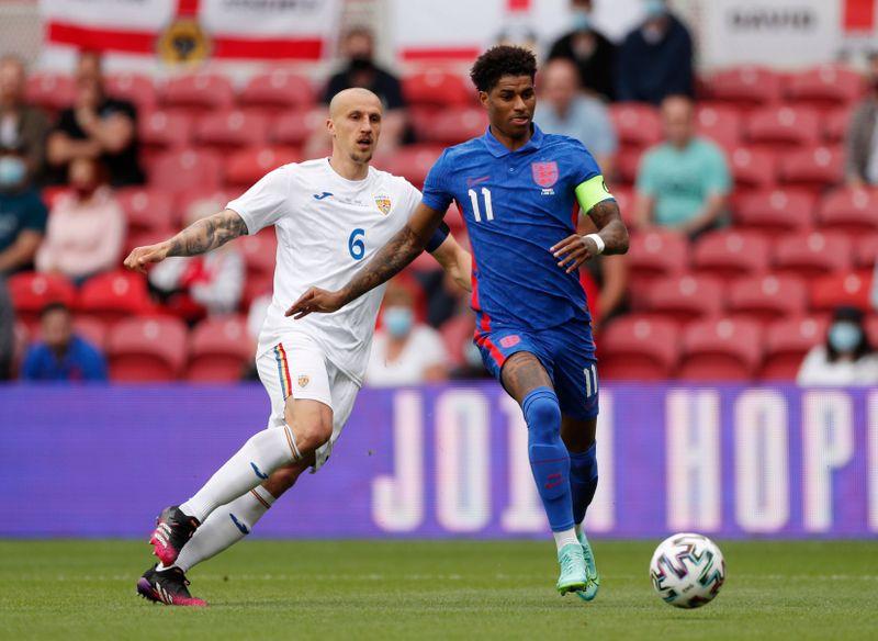 Soccer-Rashford penalty gives England 1-0 win over Romania