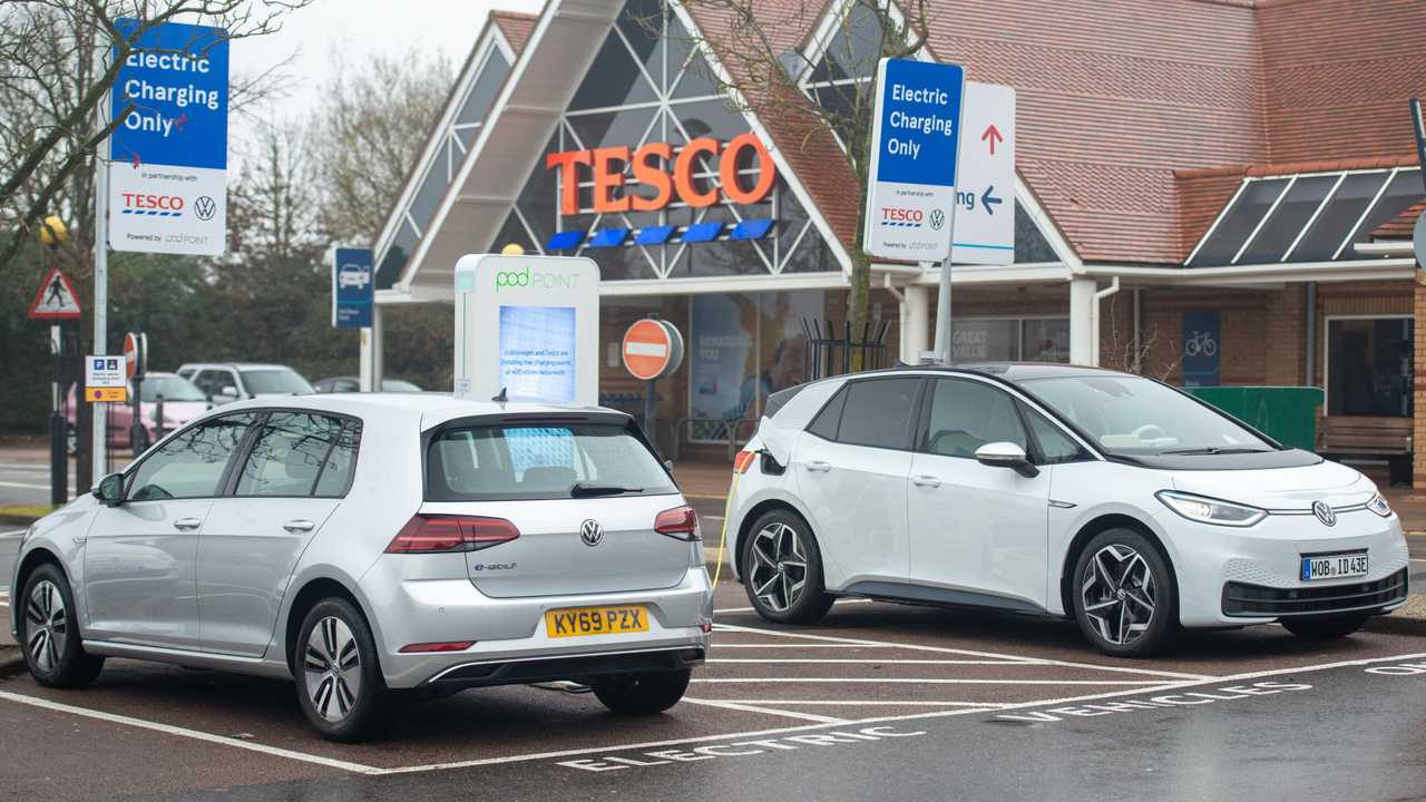 Volkswagen ID.3 and e-Golf at Tesco charging station