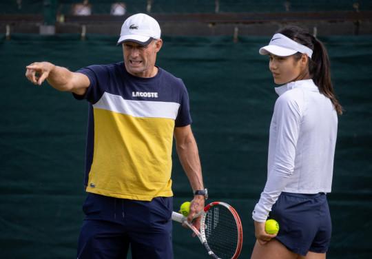 Nigel Sears and Emma Raducanu at Wimbledon