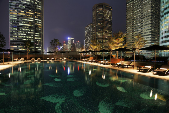 RFPRP0 Four Seasons Hotel, pool, Central Hong Kong Island, China