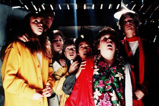 Kerri Green, Josh Brolin, Corey Feldman, Sean Astin, Ke Huy Quan, Jeff Cohen, Martha Plimpton The Goonies - 1985 Director: Richard Donner Warner Bros USA Scene Still Action/Adventure Les Goonies