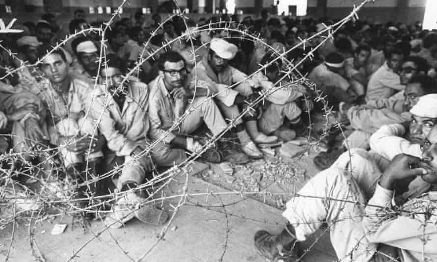 Egyptian prisoners being held during the Yom Kippur war of 1973.