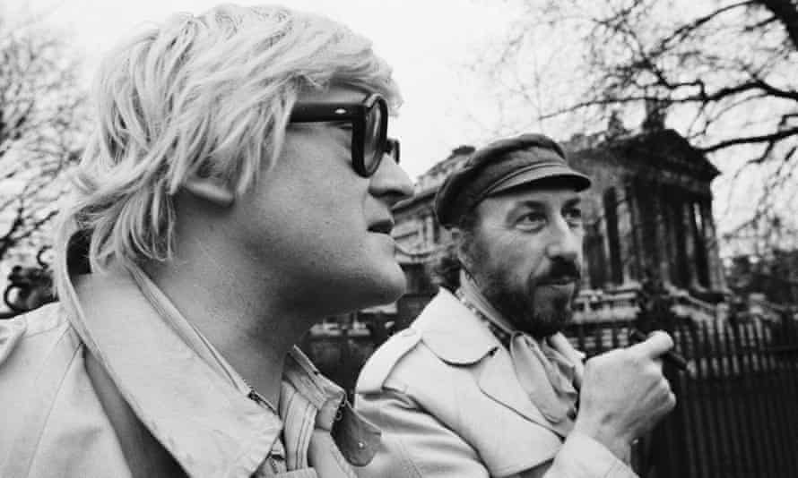 David Hockney, left, and Richard Hamilton protesting outside the Tate Gallery against proposed museum admissions charges in 1971.
