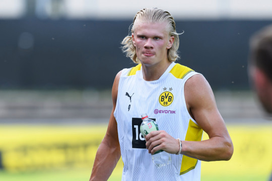 Erling Haaland says he hopes there's 'nothing' in the Chelsea transfer rumours