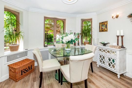 Edwardian mansion apartment that was set for Thunderbirds TV show goes on sale for £700,000