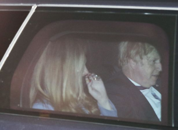 The PM failed to cover up despite No10 previously insisting ministers would wear masks in their cars