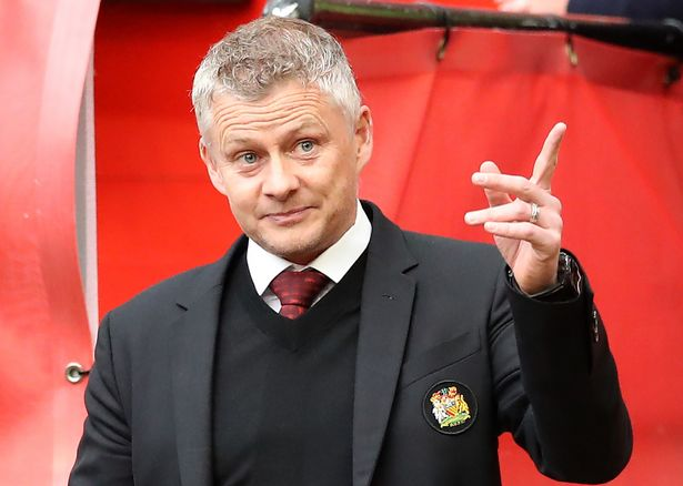 Ole Gunnar Solskjaer is set to be in the market for a midfield player and Berbatov thinks Phillips fits the bill