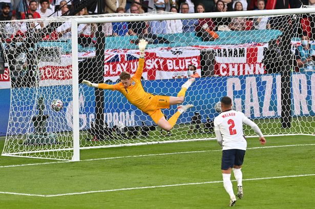 Pickford sprung to his right but was unable to keep out Damsgaard's effort