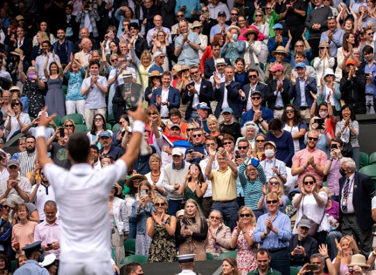 Djokovic celebrates his one-sided victory over Cristian Garin