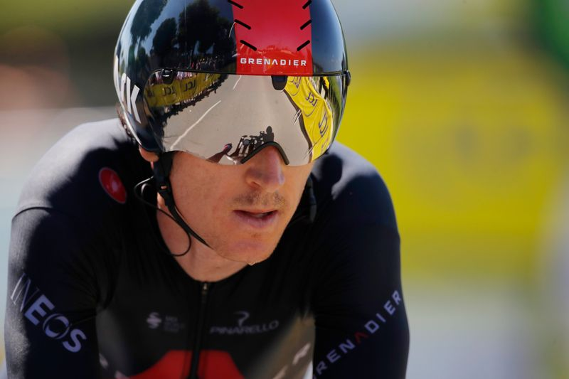 Olympics-Cycling-Britain's Thomas involved in crash in road race