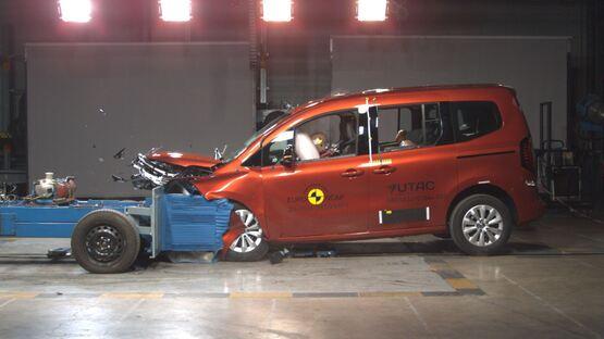 Renault Kangoo in Euro NCAP safety testing