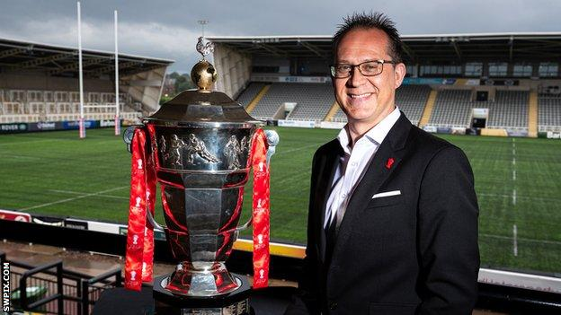 Jon Dutton with Rugby League World Cup trophy