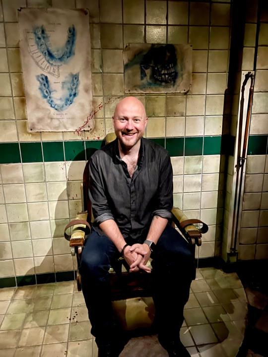 Phil matthews London dungeon free pic