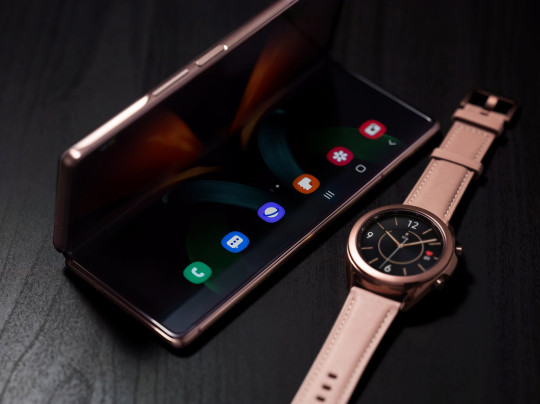 Samsung Electronics' new foldable smartphone Galaxy Z Fold 2 and its accessory are seen in this handout picture provided by Samsung Electronics August 31, 2020. Samsung Electronics/Handout via REUTERS ATTENTION EDITORS - THIS IMAGE HAS BEEN SUPPLIED BY A THIRD PARTY. NO RESALES. NO ARCHIVE.