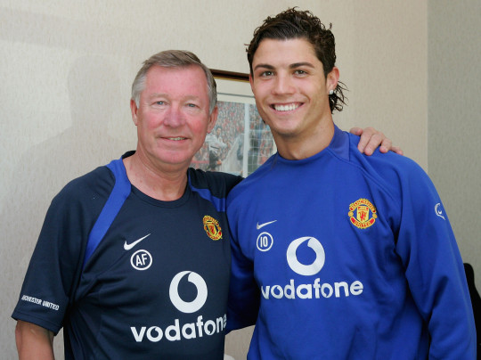 Cristiano Ronaldo contract signing with Man Utd legend Sir Alex Ferguson