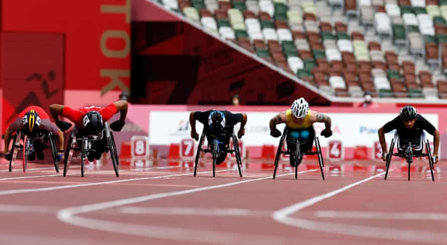 Austin Smeenk, Walid Ktila, Mohamed Alhammadi, Rheed McCracken and Ahmed Nawad compete in the men's 100m T34 final.