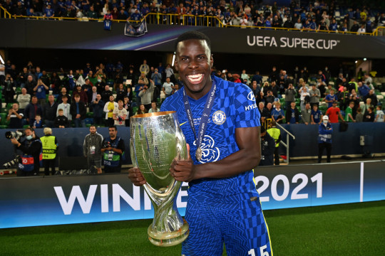 Kurt Zouma of Chelsea celebrates with the UEFA Super Cup Trophy following victory in the UEFA Super Cup 2021 match between Chelsea FC and Villarreal