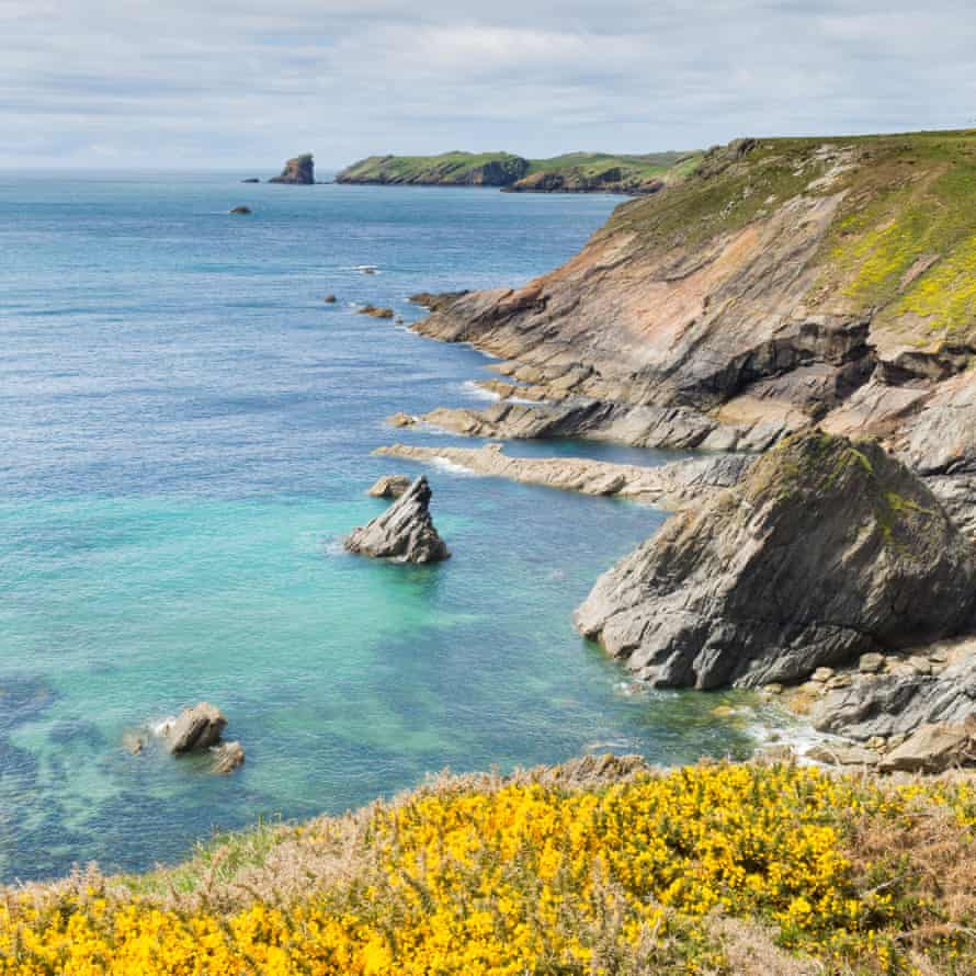 Looking down the Pembrokeshire coast towards Skomer.