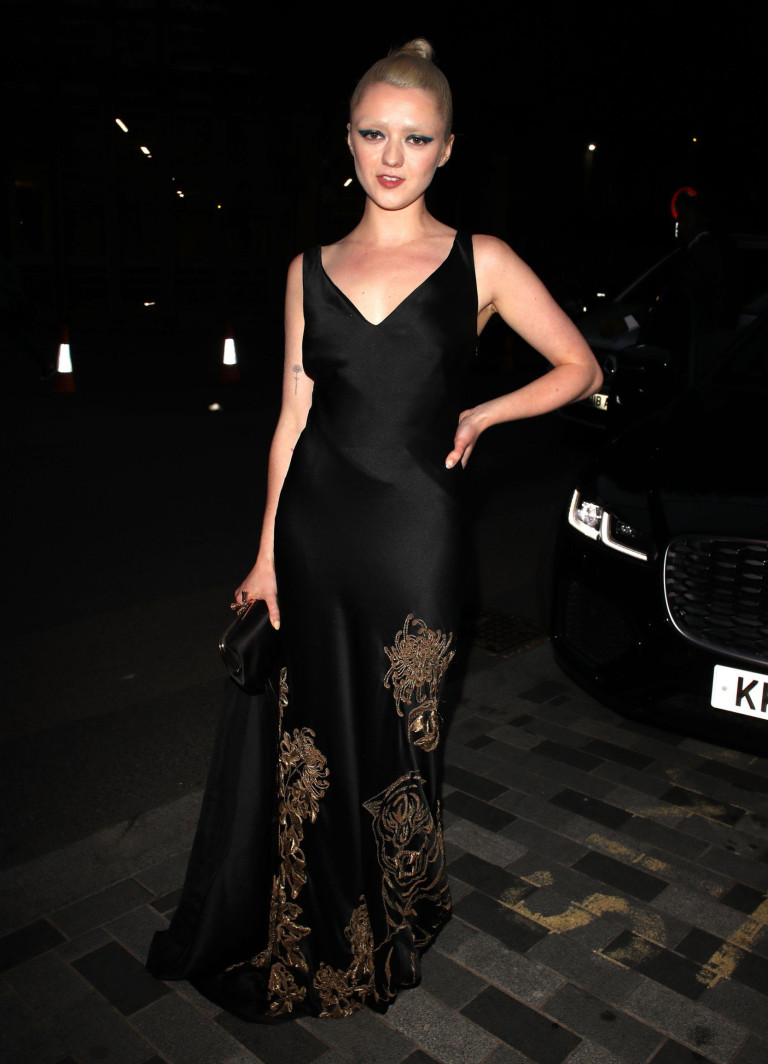 Mandatory Credit: Photo by Beretta/Sims/REX/Shutterstock (12398105le) Maisie Williams GQ Men of the Year Awards, Arrivals, Tate Modern, London, UK - 01 Sep 2021