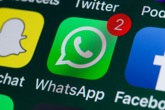 Whatsapp, Facebook, Snapchat and other phone Apps on iPhone screen