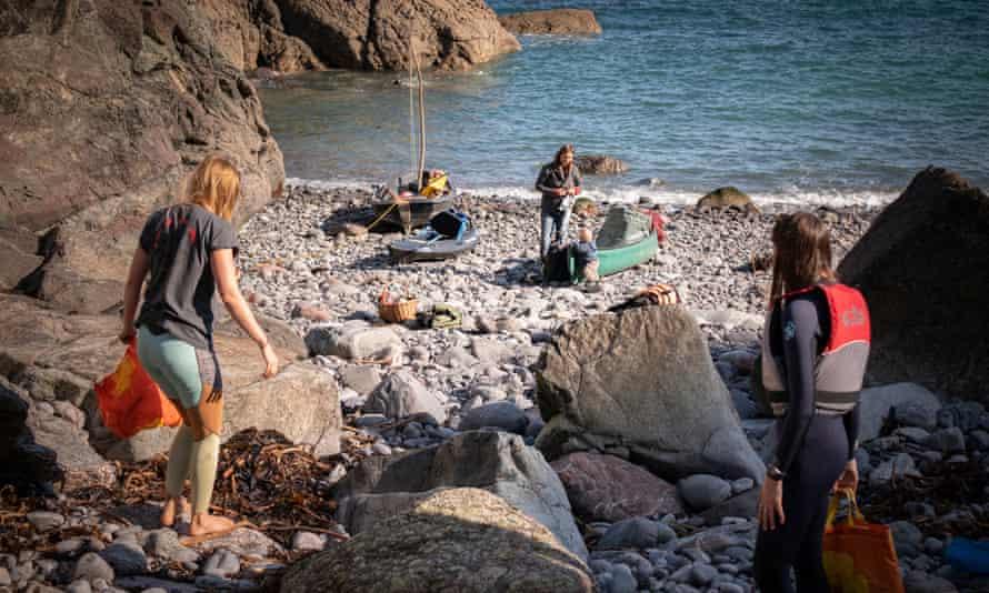 Coastal clean up, Gweek