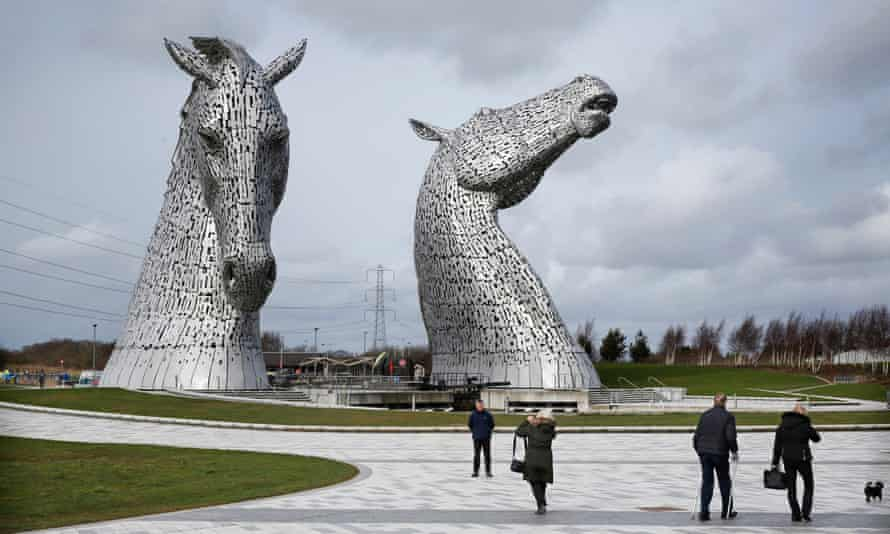 The Kelpies are good to visit after a spot of litter fishing on the Forth.