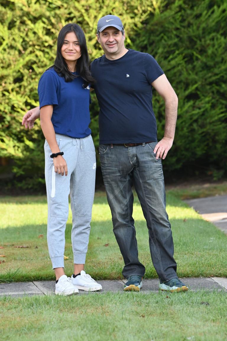 Emma Raducanu with dad on return to UK following US Open win