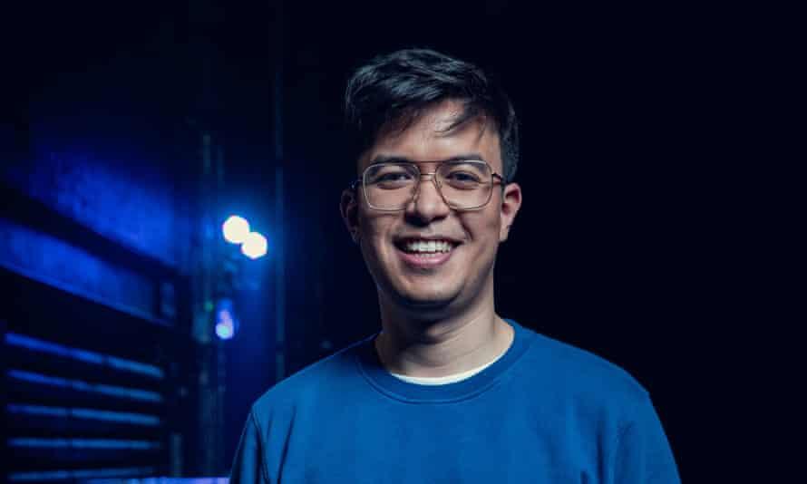 Head shot of comedian Phil Wang