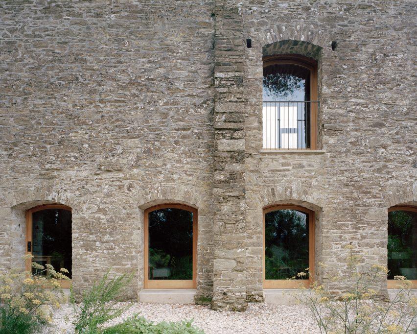 Stone walls of Redhill Barn