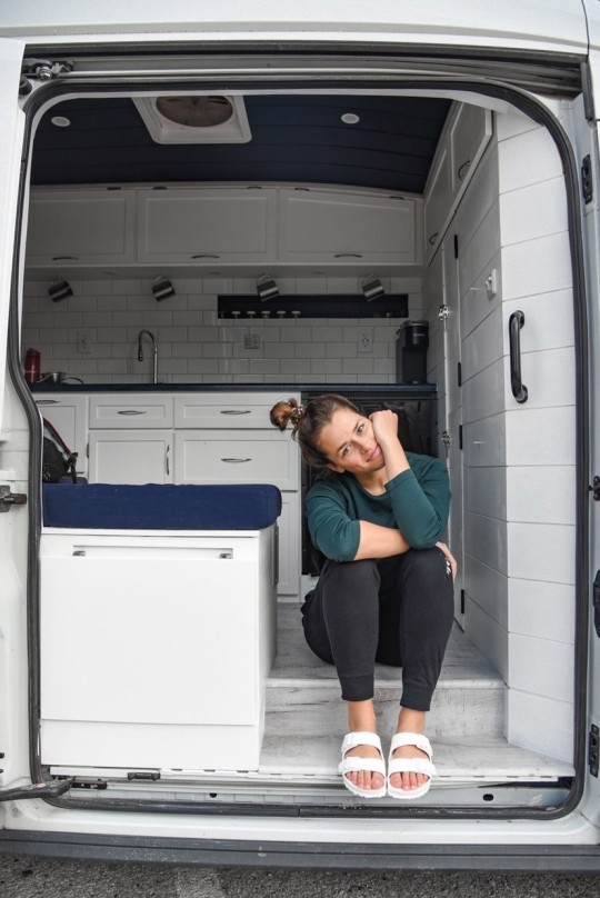 Story from Jam Press (Van Conversion) Pictured: Mackenzie Klimek in her van. Woman, 27, sick of living with family builds incredible home-on-wheels ??? despite having no DIY experience and using YouTube videos for help. A woman sick of living with her family has transformed a van into a tiny home-on-wheels ??? despite having no DIY experience and nothing but YouTube videos and her uncle for help. Mackenzie Klimek, 27, from Minnesota, US, was living in a shared apartment with friends but when the lease ended moved in with her sister and brother-in-law. Although the actuarial analyst enjoyed spending time with her family, the space didn't feel like home and she was eager to get out on her own. That's when Mackenzie stumbled on the van life community and instantly became hooked on the idea. In July 2020, she bought a 2017 Ford Transit van for $21,900 (??15,900) and set herself the task of renovating the vehicle from scratch. ???Around this time last year, I was living with three of my best friends,