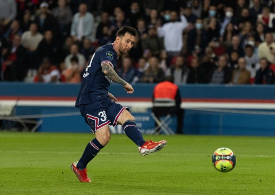Lionel Messi makes a pass during PSG's Ligue 1 clash with Lyon