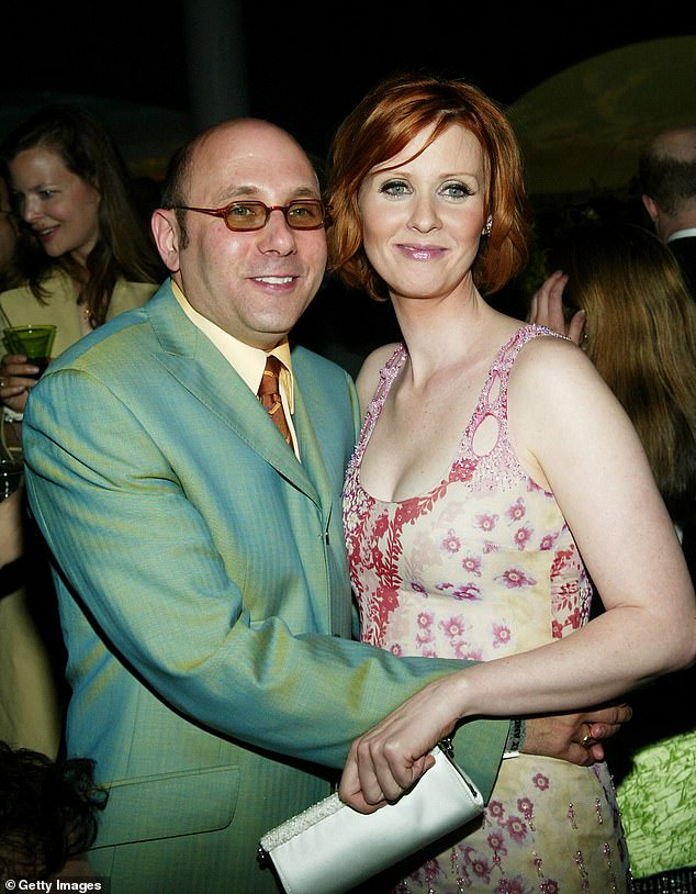 Adored: 'So deeply, deeply sad we have lost @Willie.Garson,' the actress began. 'We all loved him and adored working with him'; the pair pictured in 2003