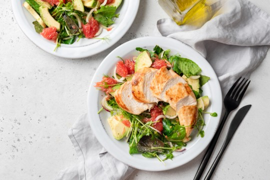 Grilled chicken salad with avocado