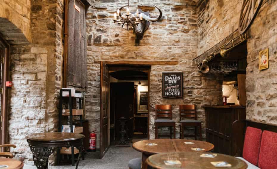 Guardian Travel - Yorkshire Walk. Green Dragon Inn, Hardraw