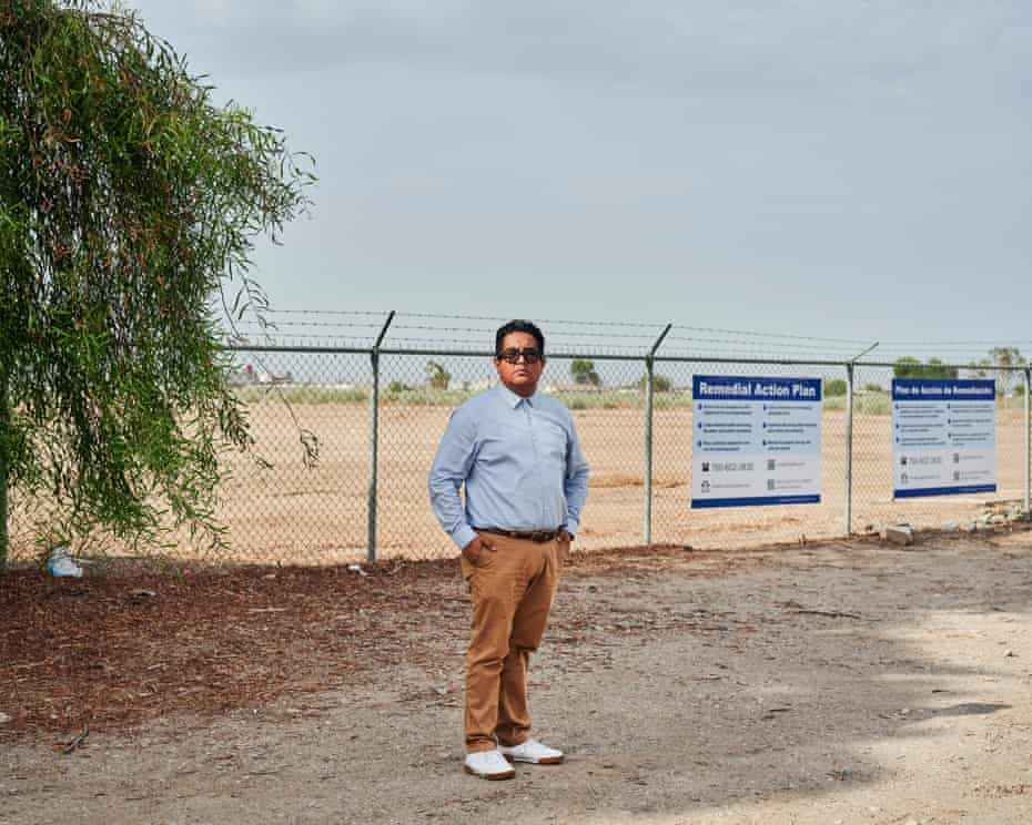 Miguel Hernandez at the site of a facility that once formulated and stored pesticides and other toxic chemicals.