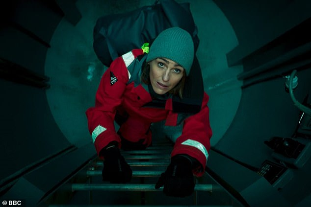 Tense!Suranne plays DCI Amy Silva in the series - a cop leading an investigation when a Scottish fishing trawler vanishes, while a murder takes place on-board a nuclear submarine elsewhere